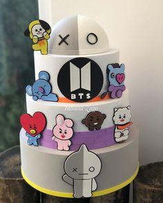 Army Birthday Cakes, Bts Cake, Bts Birthdays, Bts Beautiful, Bts Drawings, Small Drawings, Bts Merch, Cute Desserts, Blackpink And Bts