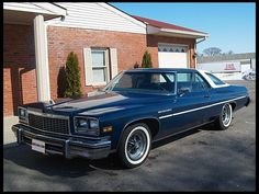 1976 Buick LeSabre Custom HP, Automatic for sale by Mecum Auction Buick Cars, Buick Electra, Retro Cars, Vintage Cars, Buick Lesabre, Lifted Ford Trucks, Abandoned Cars, Classic Cars, Classic Auto