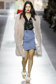 Topshop Unique Spring 2016 Ready-to-Wear Collection Photos - Vogue
