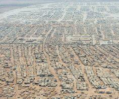 Retorica // Logos // Deze foto van het Syrische vluchtelingenkamp in Jordanië toont de omvang van het probleem aan.