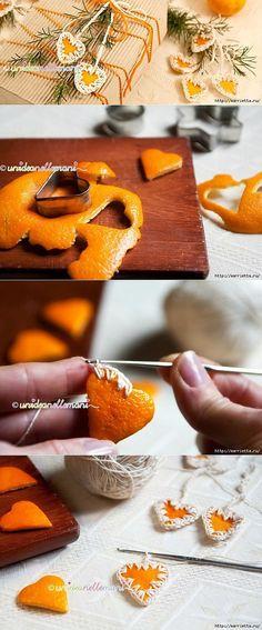 Апельсиновые сердечки с обвязкой крючком. Идея для декора подарка.