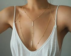 GOLD Filled Tiny Coins T-Row Dainty Chain Bralette Halter Top Body Chain/ Dainty Gold Body Chain / Gold Body Chain / Body Chain - Schmuck herstellen Body Chain Jewelry, Dainty Jewelry, Cute Jewelry, Jewelry Accessories, Women Jewelry, Fashion Jewelry, Jewelry Design, Body Chain Outfit, Fashion Necklace