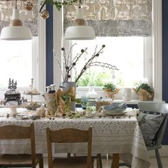 Take a peek inside these inspiring country rooms, beautifully decorated for the festive season