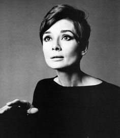 Audrey Hepburn photographed by Richard Avedon in New York (USA), on January -Audrey was wearing a creation of Yves Saint Laurent (long dress made of black crepê, of his haute couture collection for the Autumn/Winter Audrey Hepburn Born, Audrey Hepburn Photos, Fred Astaire, Sophia Lauren, Richard Avedon Photography, Richard Avedon Portraits, Scarlett, Catherine Deneuve, Short Hairstyles For Women