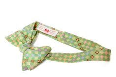 The perfect bow tie for Spring!