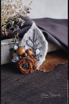 Awesome diy hacks hacks are offered on our web pages. Read more and you wont be .- Awesome diy hacks hacks are offered on our web pages. Read more and you wont be … Awesome diy hacks hacks are offered on our web pages…. Felt Flowers, Diy Flowers, Fabric Flowers, Textile Jewelry, Fabric Jewelry, Jewellery, Brooches Handmade, Handmade Flowers, Felt Crafts