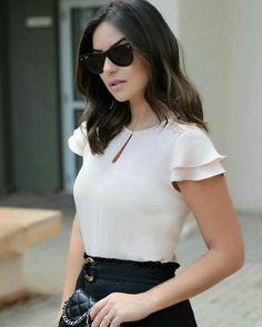 448 likes 10 Warm Weather Street Style Outfits You Should Own - Global Outfit ExpertsFashion About Us Cute Blouses, Blouses For Women, Blouse Styles, Blouse Designs, Work Fashion, Fashion Looks, Chiffon Shirt, Look Chic, Mode Inspiration