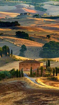 Italy Holiday Destinations, Wonderful Places, Beautiful Places, Landscape Photography, Nature Photography, Film Photography, Photography Ideas, Tuscany Landscape, Tuscany Italy