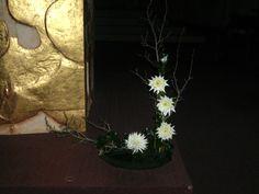 http://rennes.catholique.fr/IMG/bmp/Bouquet_redimensionne_sur_le_cote_de_l_autel_-_veillee_St_Paul_sur_le_theme_penitentiel.bmpからの画像