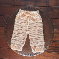 Free Pattern ~ Newborn Crochet Pants