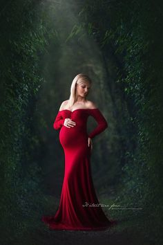 Linnea dress, off shoulder, long sleeves /,maternity gown,maternity gowns,maternity photography,maternity photoshoot,maternity pictures,