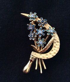 Joan Rivers Flower Brooch / Pin by Mybestfinds on Etsy