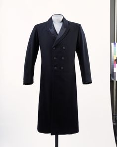 Object Type  The top frock-coat came into fashion during the 1830s. It was an overcoat that was cut like an ordinary frock-coat (a formal close-fitting coat with waist seam) but was usually longer and generally double-breasted. It was intended to be worn without an undercoat while giving the appearance of an overcoat. It was made of heavy cloth such as cheviots, beavers, meltons and witneys, and often had a velvet collar.