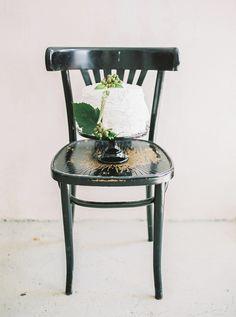 Modern Romance: Grüne Hochzeitsdekoration von Silk & Magnolia und ein Brautstrauß zu gewinnen | Hochzeitsblog - The Little Wedding Corner