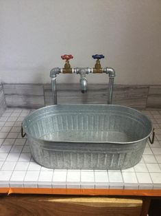 Industrial design handmade Galvanized faucet with brass valves and galvanized tub sink Horse Trough Bathtub, Trough Sink Bathroom, Galvanized Bathtub, Galvanized Pipe, Galvanized Decor, Kitchen Industrial Design, Modern Industrial, Utility Room Sinks, Utility Sink