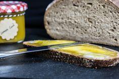 Lemon Curd Aufstrich - Perfekt als Geschenk oder zum selbst verzehren :-) Lemon Curd, Cornbread, Ethnic Recipes, Food, Spreads, Gift, Millet Bread, Lemon Custard, Lemon Cream