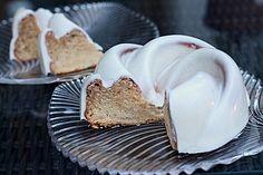 Kleiner Eiweiß-Gugelhupf mit Eierlikör und Tonkabohne, ein gutes Rezept aus der…