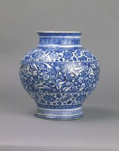 *Jar,Iznik, Turkey,ca. 1480.Fritware, underglaze painted in blue, glazed.Height: 24.5 cm, Diameter: 23.5 cm.Purchased with the assistance of the Bryan Bequest and The Art Fund.Museum number:C.57-1952© V Images.