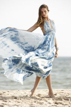 Summer fashion | Vaporous tie-dye maxi dress