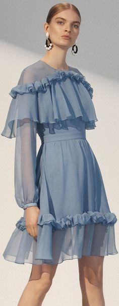 Trendy Sewing Clothes Couture Fashion Show Ideas – Wedding dress fashion Runway Fashion, Trendy Fashion, High Fashion, Fashion Show, Womens Fashion, Fashion Design, Couture Fashion, Fashion Moda, Fashion Black