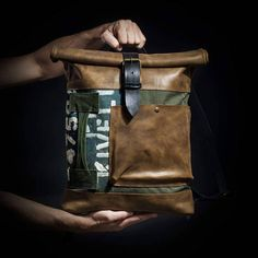 You carry a one-of-a-kind bag because you march to your own beat. History comes alive in the hands of our craftsmen. Traditional techniques, artistry and vintage military material are mobilised to create an everyday backpack. Upcycled from a WWII British army duffle bag, it features a