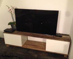 TV meubel gemaakt van onze sloophout brede planken en balkjes. #sloophout #VanSloophout.com