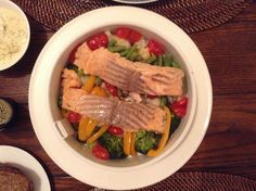 Salmon with veggies in multi-cooker philips