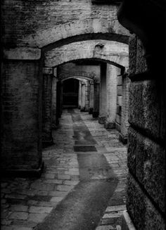 Alley in Old London. (I wonder if Jack the Ripper walked this way...) More
