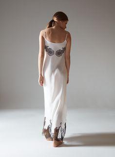 94f841eddcce Φόρεμα Μέχρι Το Γόνατο Valentino Γυναίκα - Φορέματα Μέχρι Το Γόνατο ...