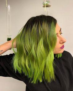 """Karolína Machovič na Instagramu: """"GREEN! Musím vás zaspamovat svýma novýma vlasama, protože to byla celkem spontánní akce. Miluju to. Míchala jsem @mydentity_cz…"""" Long Hair Styles, Beauty, Instagram, Long Hairstyle, Long Haircuts, Long Hair Cuts, Beauty Illustration, Long Hairstyles, Long Hair Dos"""