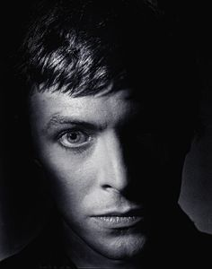 A beautiful portrait shot of a young David Bowie by Clive Arrowsmith