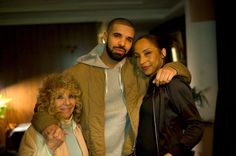 Drake Might Be Dating Sade Adu After Jennifer Lopez And Rihanna #Drake, #Sade celebrityinsider.org #Music #celebritynews #celebrityinsider #celebrities #celebrity #musicnews