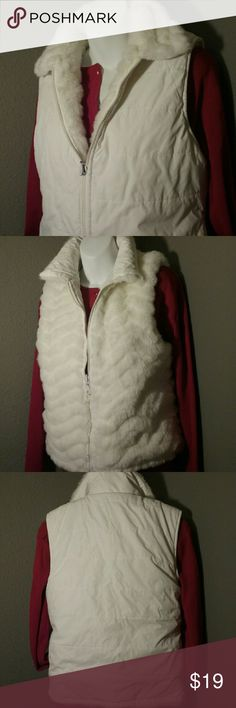 EUC KC Collection faux fur white reversible vest S So cute! Lightly filled, reversible, one side faux fur, the other water resistant with pockets. sz. S KC COLLECTION  Jackets & Coats Vests