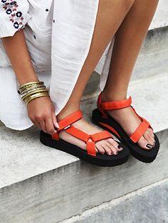 Teva Flatform Sandalen