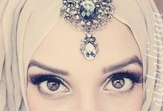 Her eyes are stunning. #hijab