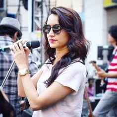 Shraddha Kapoor her voicee Prettiest Actresses, Beautiful Actresses, Indian Celebrities, Bollywood Celebrities, Indian Actresses, Actors & Actresses, Shraddha Kapoor Cute, Sraddha Kapoor, Girl Facts