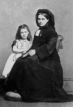 +~+~ Antique Photograph ~+~+  Widow and Daughter in Mourning, Albumen Carte de Visite, Circa 1860.