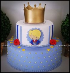 ANTES DA COMPRA VERIFIQUE DATA DISPONIVEL DE ENVIO INFORME DATA DA FESTA Mais Prince Birthday Theme, First Birthday Cakes, Baby Shower Cakes, Little Prince Party, Prince Cake, Crown Cake, Cakes For Boys, Macaron, Party Cakes