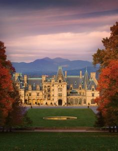 'Downton Abbey' Costumes Come to Asheville's Biltmore Estate