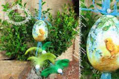 "Lavenderia - decoupage i inne: Wielkanoc ""Stroik "" Decoupage, Christmas Bulbs, Coconut, Easter, Holiday Decor, Christmas Light Bulbs, Easter Activities"
