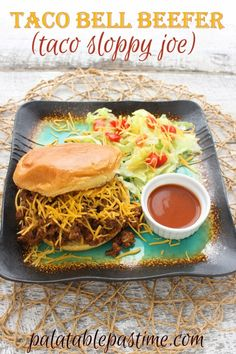 Bell Beefer (Taco Sloppy Joe) Sloppy Joe sandwiches the way Taco Bell used to make them. Bell Beefer (Taco Sloppy Joe) By Sue Lau Taco Bell Recipes, Mexican Food Recipes, Beef Recipes, Dinner Recipes, Cooking Recipes, Ethnic Recipes, Spanish Recipes, Recipies, Dinner Ideas