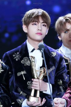 V BTS - Golden Disc Awards