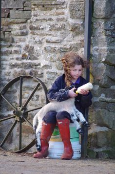 YorkshireShepherdess (@AmandaOwen8) | Twitter Country Life, Country Living, Farm Family, Future Farms, Nature Table, Peaceful Life, Yorkshire Dales, Down On The Farm, Child Love