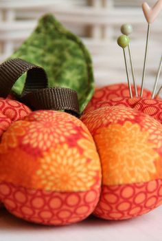 Incorporate the feel of fall into upcoming sewing projects with a DIY Pumpkin Pincushion. Stitch together orange fabrics with a seasonal theme, and use Fiskars Supersize Template and sewing tools to create a handy and functional craft. Would be a great gift for a fellow seamstress!