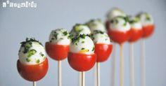 Ingredientes (12 piruletas):     12 tomates cherry   1 c/s tapenade de tomate   12 minimozzarella   ½ c/c ralladura de limón ...