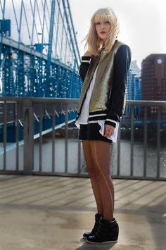 """Olivia Taylor of """"La Voyageuse"""" rockin' UO's wedge sneakers #urbanoutfitters"""