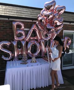 Baby shower shared by Esther on We Heart It Deco Baby Shower, Baby Shower Balloons, Baby Shower Games, Baby Shower Parties, Baby Boy Shower, Girly Baby Shower Themes, Baby Shower Outfits, Baby Shower Dresses, Gold Baby Showers