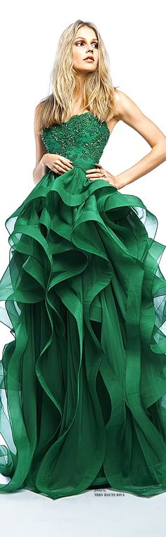 Cheap dresses rhinestones, Buy Quality party dress china directly from China party formal dress Suppliers: Emerald Green Prom Dresses 2017 Appliqued Ruched Cheap Graduation Evening Party Gowns Organza Customized vestidos de gala Beauty And Fashion, Green Fashion, Look Fashion, Fashion Show, Fashion 2014, Fashion Women, Beautiful Gowns, Beautiful Outfits, Glamour