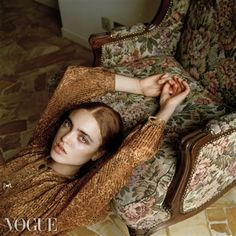 If you are a photographer, or aspire to be one, PhotoVogue is the place to be. Upload your photos. Fashion Model Poses, Fashion Photography Poses, Fashion Photography Inspiration, Photoshoot Inspiration, Photography Women, Fashion Shoot, Editorial Photography, Editorial Fashion, Portrait Photography