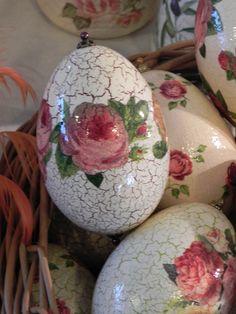 Jajko gęsie z rożą. Egg with a rose